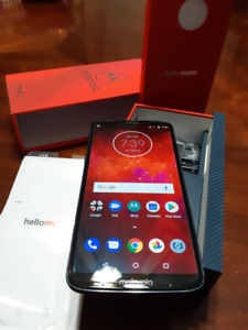 Moto Z3 Play with 3 MODS - PACKAGE DEAL - Unlocked - 6 Inch FHD