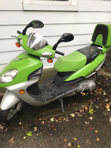 Daymak 150 scooter