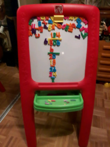 Chalk Board Easl with Number Board by STEP 2