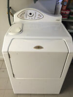 Belle Laveuse Frontal blanche de marque Maytag Neptune