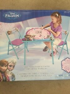 FROZEN Table and Chairs Set