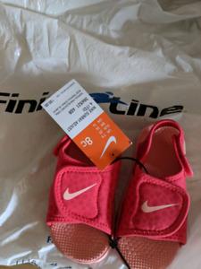 Nike toddler size 8 sandels