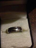 New men's white gold wedding band