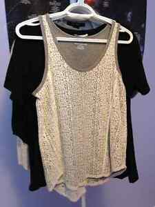 Tops size S