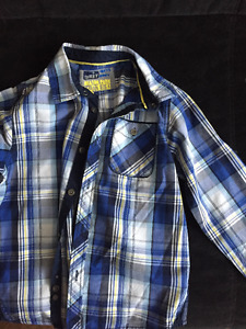 Boys Size 7/8 long sleeve shirt