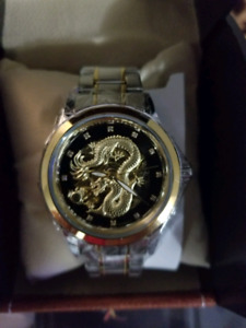 AUTOMATIC WATCH GOLD/SILVER TOW TONE