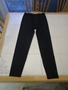 2xAthletic works active wear for under hockey gear size L(14/16)
