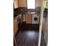 2 dbl bedroom unfurnished u/stairs flat in Perth. Available now