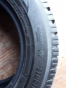 Toyo Observe GSI-5 Studless 255/60 R18 112T  2 seasons rarely us
