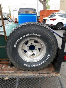 Tire and rim 32x11.50xr15