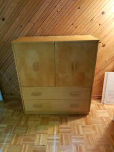 Armoire/Commode à donner