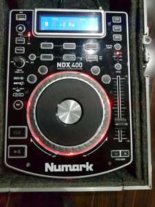 MINT Numark NDX 400 PAIR WITH ODYSSEY CASES