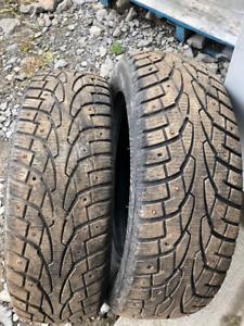2x pneus d'hiver 185/65R15 88t Uniroyal Tiger Paw Ice & Snow3