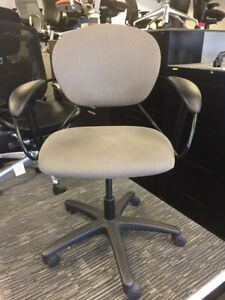 Meeting room Chairs - Steelcase UNO -$150