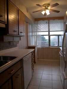 Spacious 2 Bed + Den the Heart of Downtown, Utilities Included! Kitchener / Waterloo Kitchener Area image 3