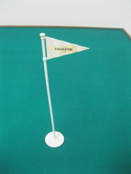 Subbuteo White Flag Heavyweight Era Accessory