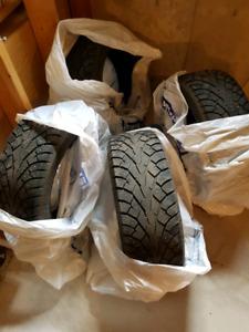 205 55 16 Noble Zambonee z88 STUDDED Tires