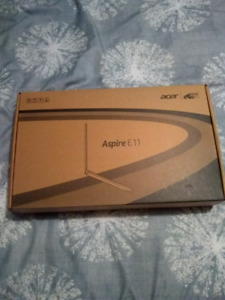 Like New ACER Aspire laptop with box