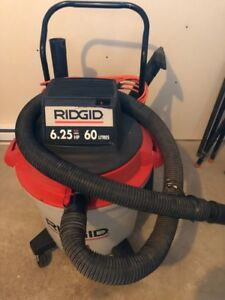 Aspirateur commercial Ridgid 6.25hp de 60 gallons A1