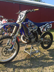 2008 yz 250 brand new rebuild!  Reconstruit a neuf! Negotiable
