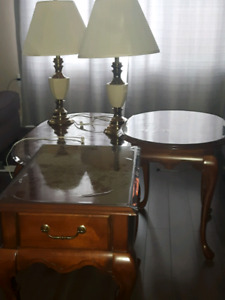 Coffee table/Lamp Set