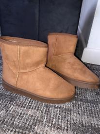 Ugg boots for sale  Bridgend
