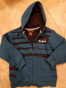 Fleece lined hoody size 5/6