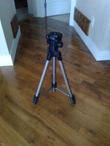 Dynex Camera Tri-Pod