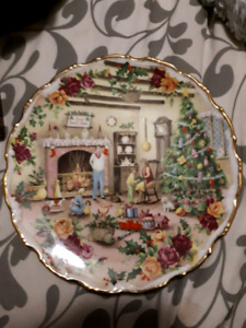 "Royal Albert ""Christmas Warmth"""