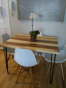 MAGNIFIQUE TABLE DE CUISINE EN BOIS D'ACACIA