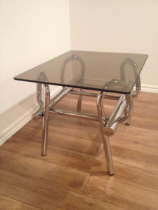 1970s Vintage Side Table - Table d'Appoint Retro