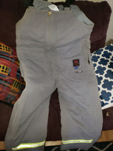 Mens medium insulated overalls