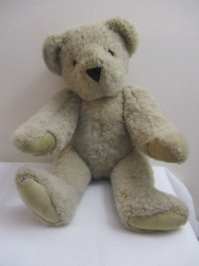 Cute 18 inch Teddy Bear by Vermont Teddy Bear Co. (made in USA)