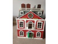 Sylvanian house with lots of extras