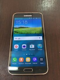 Samsung s5. In gold . 16 Gb. Condition is excellent