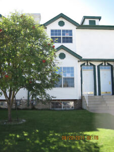 RED DEER TOWN HOUSE FOR RENT