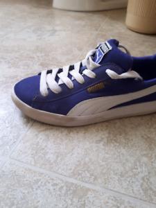 Puma shoes size 5 girls/ grandeur 5 fille 15$!!!