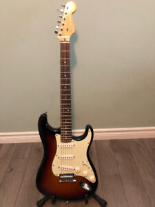 2011 Fender American Strat Deluxe with case