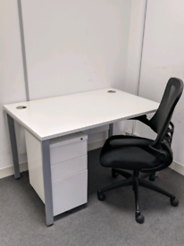 White Office Desk 120cm by 80cm - FREE DELIVERY