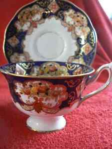 Royal Albert Tea cups/  Tasse et Soucoupe