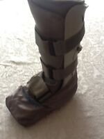 CRUTCHES &. AIRBOOT