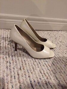 White leather Hillary Radley size 7.5 London Ontario image 1