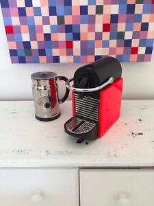 Machine Nespresso Pixie rouge excellent état
