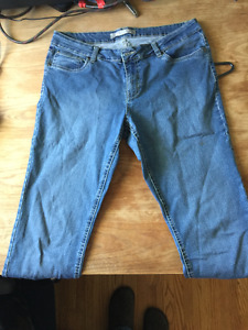 2 Midrise windriver Jeans size 12