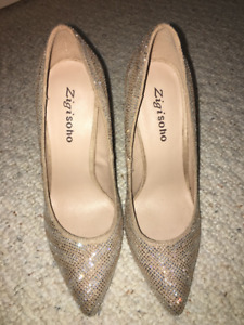 Beige and Silver Sparkly 4 inch Heels from Zigi Soho size 6.5