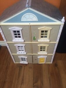 Trading spaces doll house