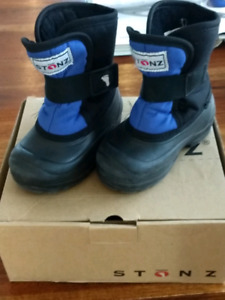 Toddler stonz boots. Size 7T and 8T. Lightly used