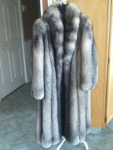 manteau de fourrure pour femme