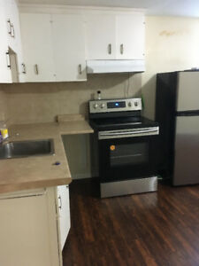AVAILABLE NOW - 15 MINS WALK TO QUEENS - DOWNTOWN