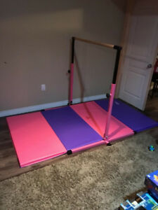 Gymnastics bar/beam and mat